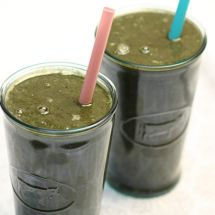 Friday Favorites: Darn Good Blue-Green Smoothie